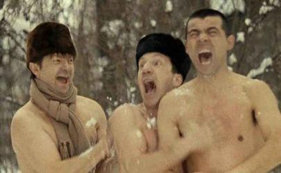 Неменее 500 рабочих ликвидируют последствия снегопада в российской столице